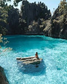 Beautiful blue water in the Phillipines.