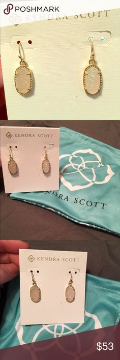 Lee Rose Gold Earrings In Iridescent Drusy Brand New! Kendra Scott Lee Rose Gold Earrings In Iridescent Drusy! Beautiful! No Trades and open to reasonable offers only! Thank you!❤ Kendra Scott Jewelry Earrings