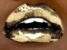Nothing like a sexy gold mouth!