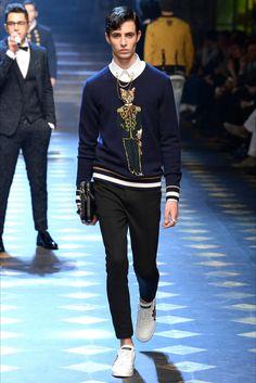 Sfilata Moda Uomo Dolce & Gabbana Milano - Autunno Inverno 2017-18 - Vogue