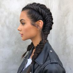 Hair is an important material primarily composed of protein, notably keratin. Hair care is your hair type. Your hair goals. Your favorite hair color Here you find all the possible methods to have perfect hair. Workout Hairstyles, Summer Hairstyles, Pretty Hairstyles, Edgy Hairstyles, Teenage Hairstyles, Festival Hairstyles, Popular Hairstyles, Dutch Braided Hairstyles, Cute Hairstyles With Braids