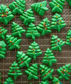 25 Days of Cookies: Christmas Tree Spritz