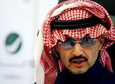 """le prince al-Walid Ben Talal, souvent décrit comme l'homme d'affaires le plus influent du Moyen-Orient, avait fait les gros titres en 2013, lorsqu'il avait porté plainte contre le magazine """"Forbes"""" qu'il accusait d'avoir sous évalué sa richesse... et de l'avoir mal placé dans le classement des personnalités les plus riches du monde. Sa fortune s'élèverait à environ 30 milliards de dollars."""