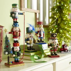Great way to display Nutcrackers - multi level. Traditional Holiday Decorating Ideas | POPSUGAR Home