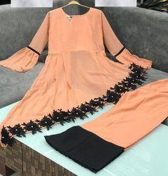 Indian Fashion Dresses, Frock Fashion, Indian Gowns Dresses, Pakistani Fashion Casual, Indian Designer Outfits, Fashion Hats, Boho Fashion, Fashion Ideas, Winter Fashion