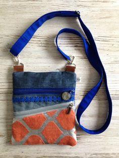 (P101) vrolijk heuptasje met schouderbandje door www.tofstofcreaties.nl