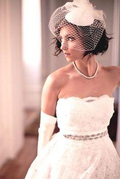 Vintage wedding hairstyles with veil maids 27 new Ideas Bridal Fascinator, Bridal Hat, Bridal Headpieces, Fascinators, Wedding Gloves, Wedding Hats, Wedding Attire, Birdcage Wedding, Vintage Birdcage