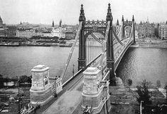 Budapest Hungary, Budapest City, Tower Bridge, The Past, Vintage Architecture, Bridges, Travel, Beautiful, Viajes