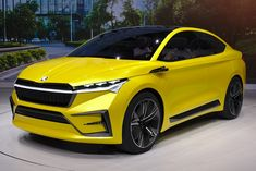 View detailed pictures that accompany our Skoda Vision iV Concept: Geneva 2019 article with close-up photos of exterior and interior features. Best Electric Suv, Tesla Electric Car, Electric Cars, Bentley Motors, Bentley Car, Electric Crossover, Buy Bmw, Solar Car, Suv Models