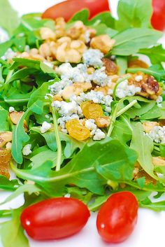 Arugula salad with walnuts, golden raisins, and Gorgonzola cheese, salad recipes, appetizers, snacks, vegetarian recipe, nuts, gluten free salads