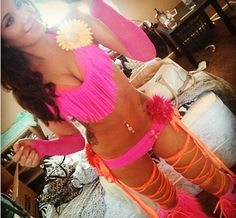EDM World Magazine Fashion Pick - Pink & orange with fluffies Check out… Cute Rave Outfits, Rave Festival Outfits, Edm Outfits, Edm Festival, Festival Wear, Festival Fashion, Rave Girls, Edm Girls, Rave Ready