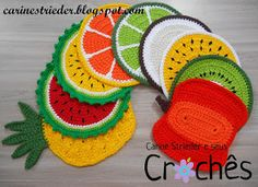 Easy Mexican Blanket Free Crochet Pattern Easy Mexican Blanket Free Crochet Pattern,Kuschelecke DIY This free pattern for a throw inspired by Mexican Serape Blankets is easy and fun to make! It uses basic crochet. Crochet Fruit, Crochet Diy, Crochet Food, Crochet Kitchen, Crochet Bear, Learn To Crochet, Crochet Motif, Crochet Flowers, Crochet Patterns