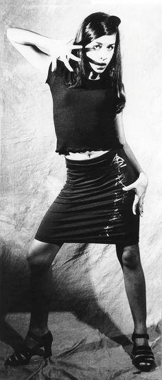 Fashion Portrait - with model Lana  @black-and-white-photography @elloaustralia @ellophotography  #film #MamiyaC330 #bla...