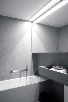 Grey bathroom by Peter Ivens
