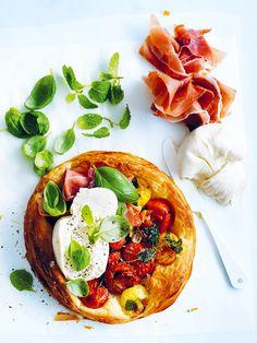 tomato tarts with burrata and prosciutto | donna hay