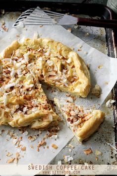 Swedish Coffee Cake: Swedish Coffee Cake is a buttery pie crust topped with a Pâte à Choux mixture, a sweet glaze, and toasted coconut. RECIPE ON SITE Coffee Recipes, Brunch Recipes, Cake Recipes, Breakfast Recipes, Dessert Recipes, Swedish Recipes, Sweet Recipes, Norwegian Recipes, Swedish Cake Recipe
