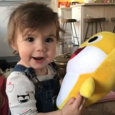Baby Shark Song Video, Baby Shark Dance, Kid Memes, Funny Memes, Hilarious, Shark Plush, Laugh Till You Cry, Shark Gifts, Baby Songs