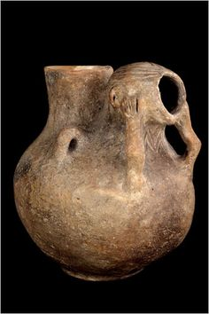 Anthropomorphic Vessel    Fired Clay    Banat, Parţa, 5300-5000 BCE    National History Museum of Romania, Bucharest: 54748    Photo: Marius Amarie