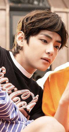 He looks so handsome n cool Jimin, Bts Bangtan Boy, Daegu, V Taehyung, Foto Bts, K Pop, Min Yoonji, V Bts Wallpaper, Most Handsome Men