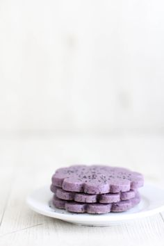 hibiscus tea and poppy seed shortbread by sprinkle bakes