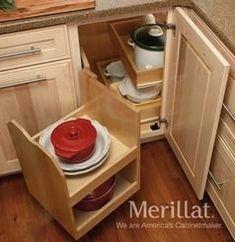 New Kitchen Corner Furniture Storage 36 Ideas Corner Cabinet Solutions, Corner Pantry Cabinet, Blind Corner Cabinet, Corner Storage, Kitchen Cabinet Storage, New Kitchen Cabinets, Storage Cabinets, Corner Cabinets, Kitchen Pantry