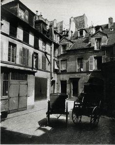 Rue de Forcy by Eugene Alget Eugene Atget, Henri Cartier Bresson, Old Paris, Vintage Paris, Old Building Photography, Victorian Street, Saint Gervais, Musee Carnavalet, Ile Saint Louis