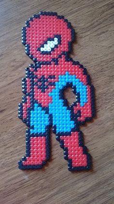 spiderman en petit modèle parfait pour décorer une chambre de garçon le super héro mesure 22cm de haut sur 10cm de large possibilité d'ajouter gratuitement un aimant a - 10301901