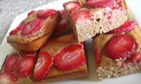 Fitness proteinová buchta s ovocem - fitness recepty Strawberry Shortcake Skewers, Homemade Strawberry Shortcake, Strawberry Recipes, Strawberry Pie, Healthy Cake, Healthy Baking, Shortcake Biscuits, Homemade Cheesecake, Food And Drink