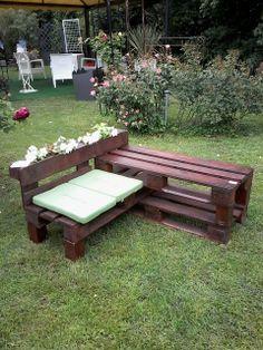 Pallets bench, table and planter / IDEA - DESIGN ECOLOGICO: Giardinaria