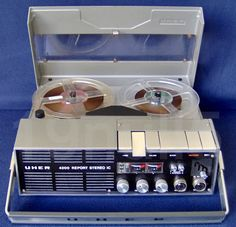Uher 4200 Report IC, a stereo version of the type, was among the last of the portable Uhers that used a pressure pad style tape mechanism.