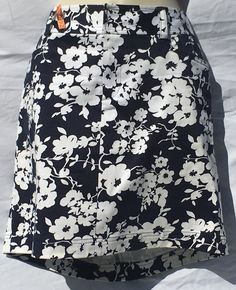 8P NAVY/WHITE FLORAL SKIRT   CHAPS