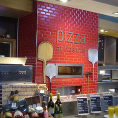 *Menus at the front -> specials could be easily changed Design Pizzeria, Deco Pizzeria, Bakery Design, Restaurant Design, Wood Pizza, Pizza Art, Wood Fired Pizza, Pizza Pizza, Pizza Store