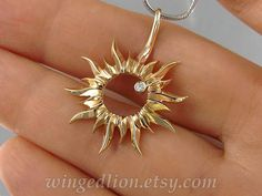 TOTALITY gold Solar Eclipse pendant with Diamond Ready to ship Moon Jewelry, High Jewelry, Cute Jewelry, Jewelry Accessories, Jewelry Design, Unique Jewelry, Gold Pendants For Men, Gold Circle Necklace, Fashion Jewelry