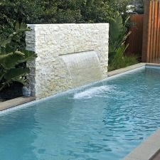 Having a pool sounds awesome especially if you are working with the best backyard pool landscaping ideas there is. How you design a proper backyard with a pool matters. Backyard Water Feature, Small Backyard Pools, Small Pools, Swimming Pools Backyard, Swimming Pool Designs, Garden Pool, Pool Landscaping, Swimming Pool Fountains, Florida Pool