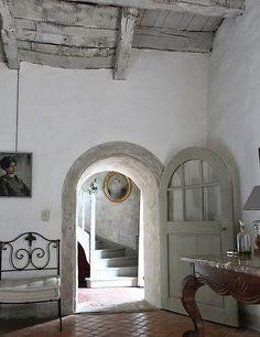 Décor de Provence...arched door