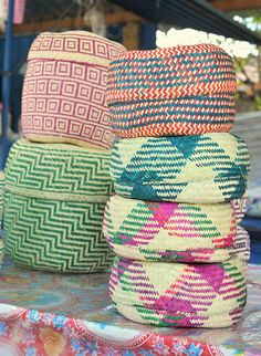 Awesome tortilla warmers and baskets handmade by the ladies of Oaxaca. Mexico Style, Mexico Art, Mexican Crafts, Mexican Folk Art, Weaving Art, Home And Deco, Basket Weaving, Woven Baskets, Decoration