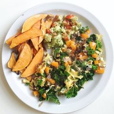 Slightly over-ambitious omelette fail  But food's not always about the presentation - it just has to taste good!   This is my healthy take on omelette and chips. Red onion sweet pepper and kale omelette served with sweet potato wedges and a speedy homemade guacamole  A good blend of protein carbs and vegetables - plus a great way to use up all the leftover bits in my fridge! . . . . I've lost track of the days at the moment - I've worked the past five days and have tomorrow off so this is…