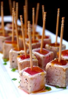 25 Genius Toothpick Appetizers That Will Curb the Munchies Toothpick Appetizers, Appetizers For Party, Appetizer Recipes, Delicious Appetizers, Halloween Appetizers, One Bite Appetizers, Party Nibbles, Gourmet Appetizers, Elegant Appetizers