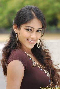 Ileana DCruz Beautiful HD Photoshoot Stills Indian Actress Hot Pics, Indian Bollywood Actress, Beautiful Bollywood Actress, Beautiful Actresses, Bollywood Fashion, Beautiful Girl Indian, Beautiful Girl Image, Most Beautiful Indian Actress, Beautiful Eyes