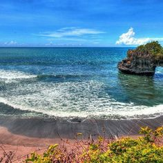 Beach view in Bali. #Bali #island #indonesia #Summer #holiday #destination #sunny #beach #beautiful #travel #travelgram #travelingram #instatravel #instago #instagood #countdown #vacation #trip #travelphotography #beach #tourist #igtravel #countdownapp #holidayapp #readysetholiday #readysetholidayapp #readysetholidayexperience  Credits: Thomas Depenbusch on Flickr