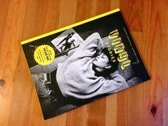 Neben diversen Schallplatten liegen auch ein paar Magazine zum Thema Vinyl in meinem Regal. Eines davon ist Vinyl Stories. Magazin ist falsch. Bookazine!