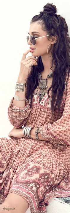 Bohemian Look :: ZAIMARA Lifestyle ::Beautiful Festival Outfits :: Summer Inspirations :: Gypsy Prints :: Hippie☮ :: Boho Chic Style :: Spread Love and Keep Positive :: Free Spirit:: Indie Folk:: Fall in Love:: Outfit Stile, Boho Mode, Mode Hippie, Hippie Bohemian, Boho Gypsy, Hippie Chic, Gypsy Hair, Gypsy Style, Maxi Skirts