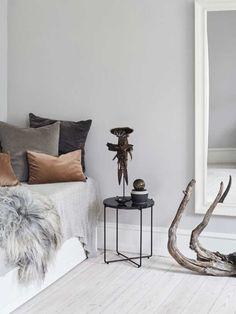 Luksus på budget | Femina Interior Decorating, Interior Design, Decoration, Entryway Bench, Cozy, Throw Pillows, Living Room, Bedroom, Inspiration