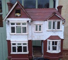 LARGE VICTORIAN ANTIQUE DOLLS HOUSE WOODEN HAND BUILT WOOD VINTAGE WOOD FIREPLAC