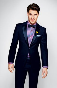 Darren Criss is adorable! Oh, and his bowtie and plaid shirt aren't half bad either
