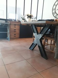 Table en IPN plateau chêne massif Drafting Desk, Industrial, Design, Furniture, Home Decor, Solid Oak, Industrial Furniture, Diy Ideas For Home, Decoration Home