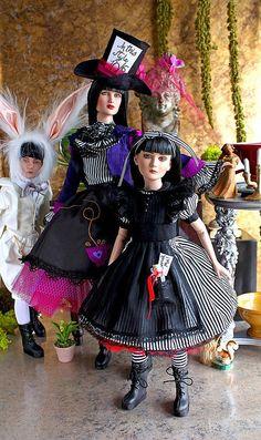 Agnes Dreary in Wonderland by ernestopadrocampos, via Flickr