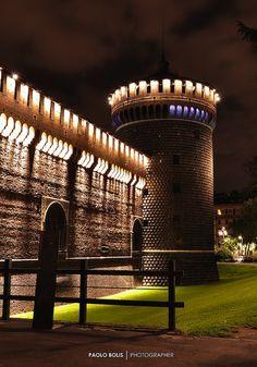 Torre Castello Sforzesco, Milano Milano Giorno e Notte - We Love You! http://www.milanogiornoenotte.com