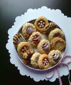 Arabic Sweets, Biscuit Cookies, Pastry Cake, Sweet Cakes, Sweets Recipes, Ice Cream Recipes, Chocolate Recipes, Deli, Food Art