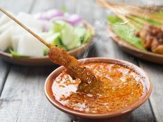 Lazy to travel far to get good satay? Try making your own version in the comfort of your own kitchen with our video recipe to get delicious pork belly satay! Chutney Recipes, Sauce Recipes, Glory Bowl Dressing, Profile By Sanford, Peanut Sauce Recipe, Salsa Dulce, Comfort Food, Specialty Foods, Pork Belly
